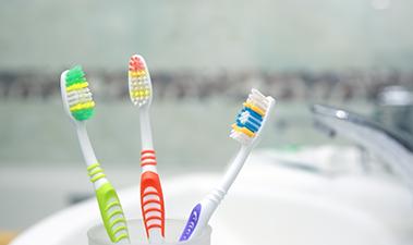 3本の歯ブラシ